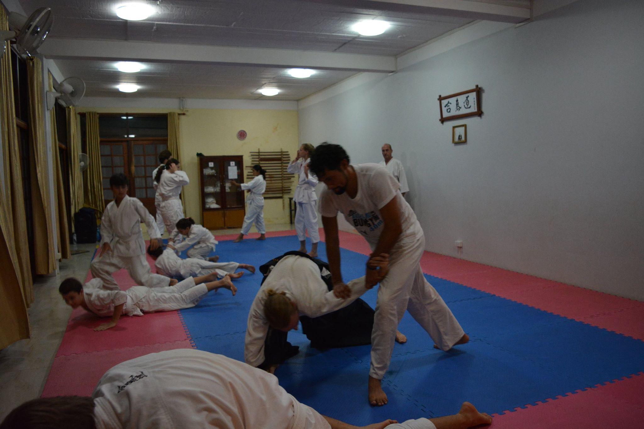Práctica de Aikido en Laos